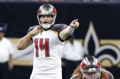 Buccaneers give QB job back to Ryan Fitzpatrick