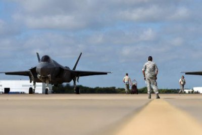 Singapore seeks purchase of four F-35 fighter planes