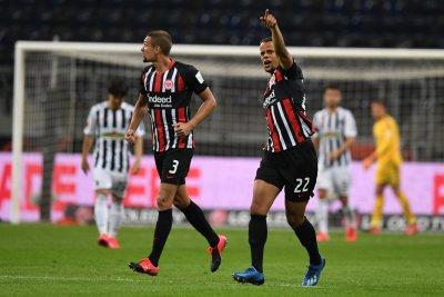 American Timothy Chandler scores equalizer for Frankfurt in Bundesliga draw