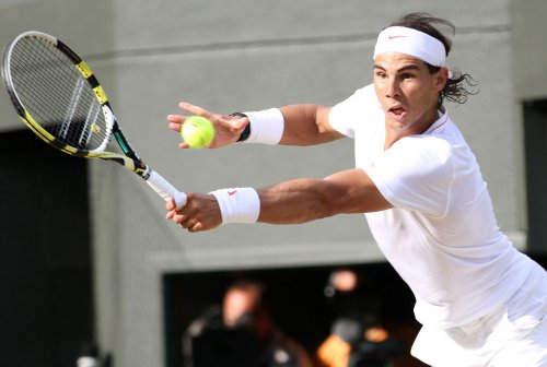Nadal handles Berdych for Wimbledon crown