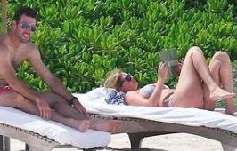 Kate Upton flaunts bikini body during vacation with Justin Verlander