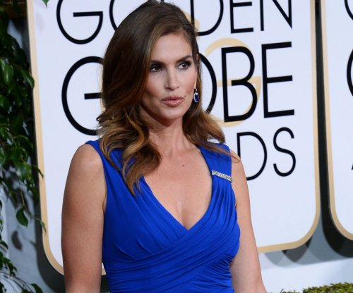 Cindy Crawford announces she's retiring from modeling