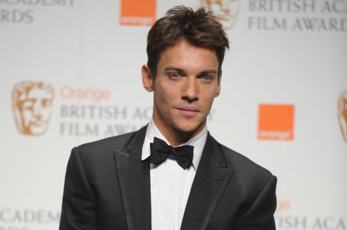 Jonathan Rhys Meyers returns to the red carpet after recent relapse