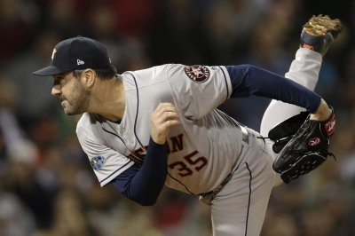 ALCS: Astros' hopes rest with Verlander in Game 5