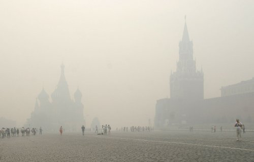 Kremlin shrugs off U.S. sanctions