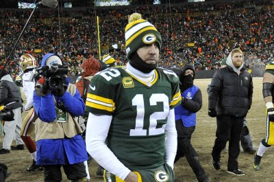 New England Patriots visit Green Bay Packers in potential Super Bowl preview