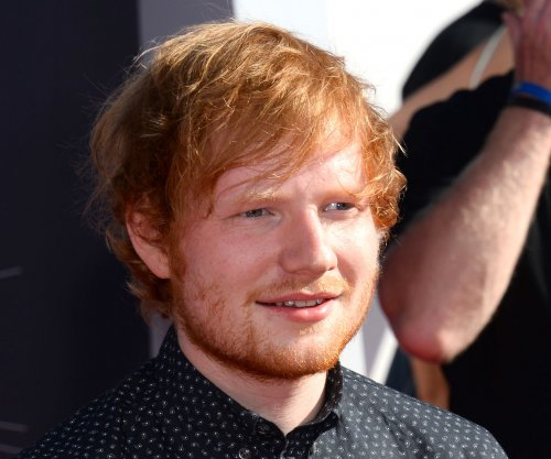 Ed Sheeran covers Christina Aguilera's 'Dirrty'