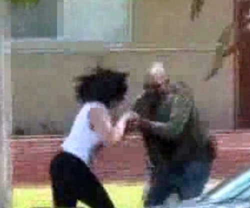 U.S. marshal filmed crushing cellphone of woman recording
