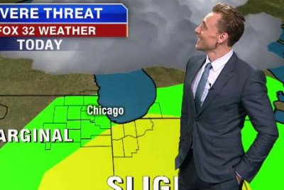 Tom Hiddleston surprises with weather report in Chicago