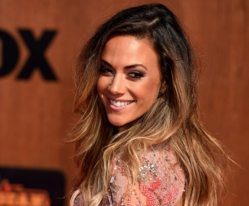 Jana Kramer earns perfect score for steamy tango performance on 'Dancing with the Stars'