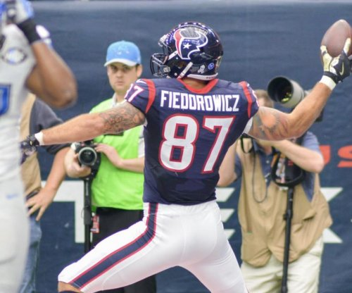 C.J. Fiedorowicz: Texans TE retires after concussion-filled season