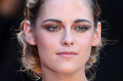 Kristen Stewart to star in 'Charlie's Angels' re-boot