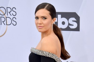 Mandy Moore details intimate wedding: 'We kept it on the DL'