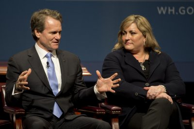 Bank of America CEO Brian Moynihan got $3M pay bump in 2015