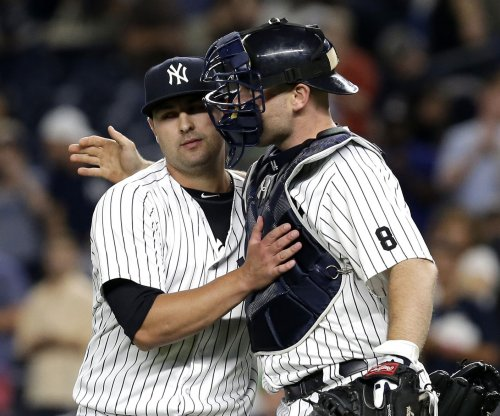 New York Yankees trade Brian McCann to Houston Astros