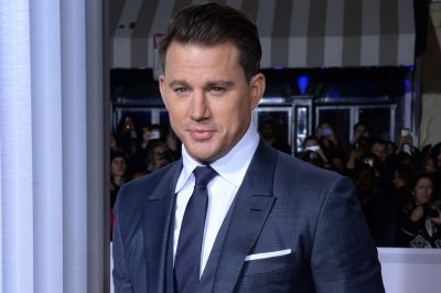 Channing Tatum holds convenience store dance party with happy fan