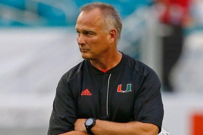 Orange Bowl: Miami Hurricanes coach Mark Richt apologizes for actions towards officials
