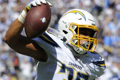 Fantasy football: Chargers RB Ekeler, Browns RB Chubb sustain Week 4 injuries