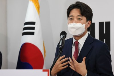 South Korea's Lee Jun-seok defends democracy before Chinese ambassador