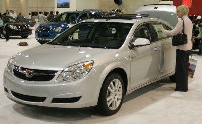Penske Automotive to buy GM's Saturn