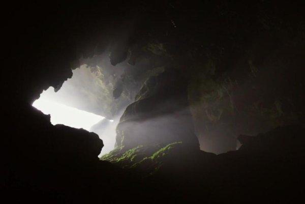 Photographer, drone camera tour world's largest cave