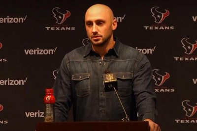 Houston Texans QB Brian Hoyer gets starting job back