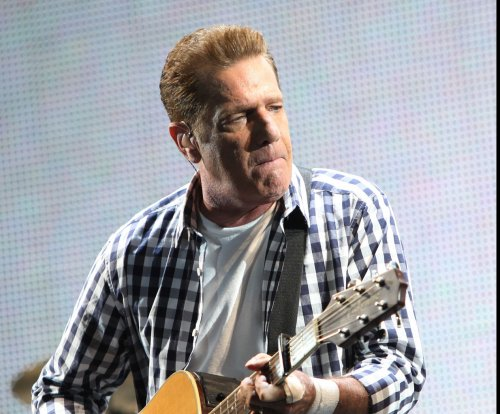 Eagles postpone ceremony due to Glenn Frey's health