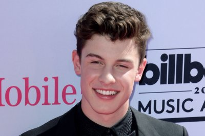 Shawn Mendes debuts music video for 'Mercy'