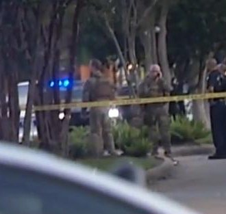 Houston police: Gunman killed at shopping center; nine injured