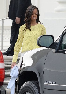 Malia Obama spotted working on the set of Halle Berry's 'Extant'