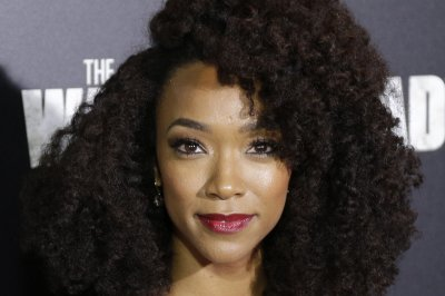 Sonequa Martin-Green to head up 'Star Trek: Discovery' cast