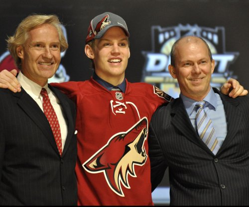 Edmonton Oilers acquire former 1st-rounder Henrik Samuelsson from Arizona Coyotes
