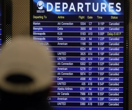 Holiday travel trouble: Planes, passengers stranded in Atlanta