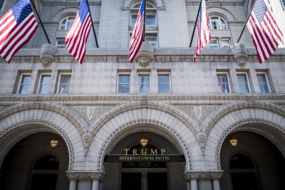 Appeals court dismisses Trump emoluments case