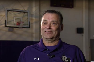 Tarleton State hires former Kentucky basketball coach Billy Gillispie