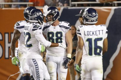 Seattle Seahawks rookie TE Colby Parkinson suffers broken foot