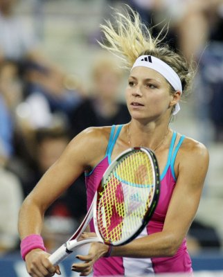 Kanepi wins but Kirilenko injured in Seoul