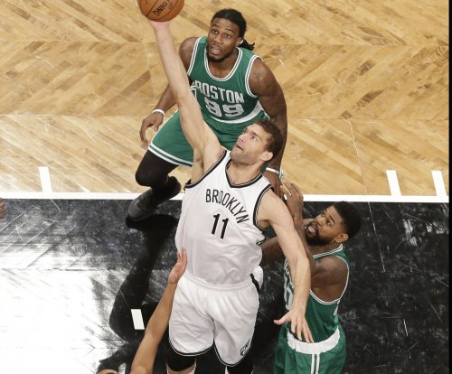 Brook Lopez leads Nets past Celtics