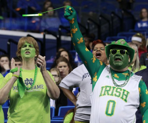 No. 20 Notre Dame Fighting Irish slip past Miami Hurricanes
