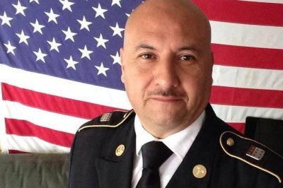 U.S. Army veteran formerly deported to Mexico gets American citizenship