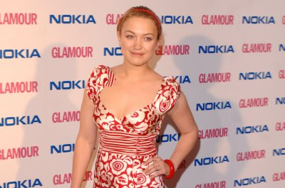 Sophia Myles says dad died after coronavirus battle