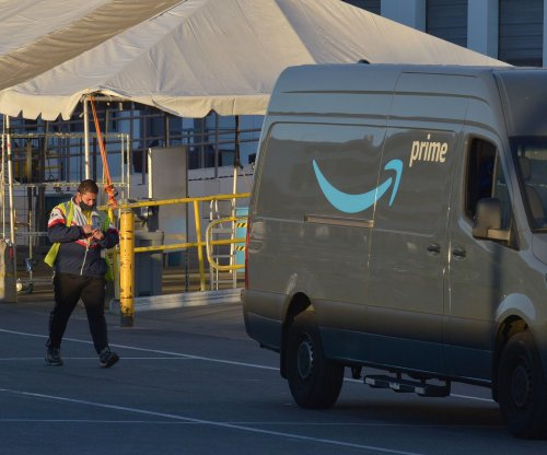 Teamsters vote to make helping Amazon workers unionize a priority