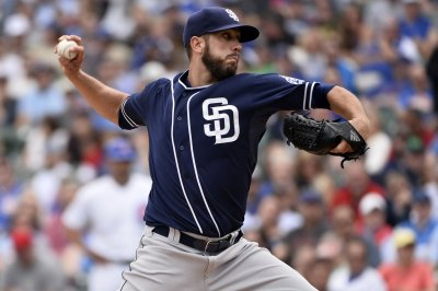 San Diego Padres down sloppy Chicago Cubs