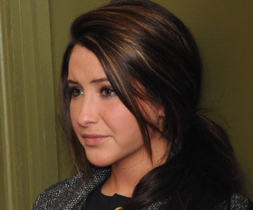 Bristol Palin shows off baby bump as she approaches due date