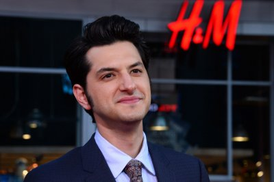 'Stranger Things' Steve is the father of 'Parks and Rec's' Jean-Ralphio according to Ben Schwartz