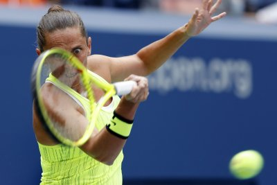 Roberta Vinci opens title defense at St. Petersburg Ladies Open