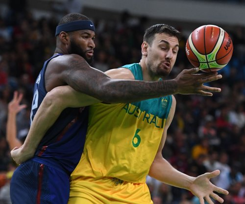 Andrew Bogut suffers fractured leg in first game with Cleveland Cavaliers