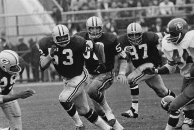 Former Green Bay Packers LB Fred Carr dies