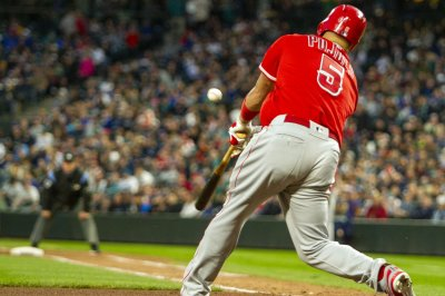 Albert Pujols ties Ken Griffey Jr.'s all-time home run mark
