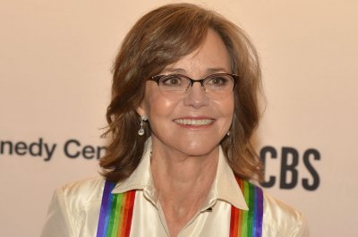 Kennedy Center Honors celebrates Sally Field, 'Sesame Street'